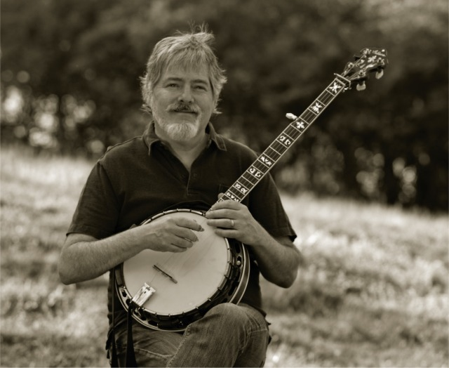 Béla Fleck Previews New Bluegrass Album With Billy Strings, Chris Thile Collab 'Charm School'.jpg