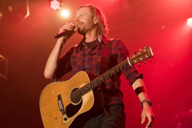 Dierks Bentley Picks Up the Tab in New Song 'Beers on Me' Featuring Breland and Hardy.jpg