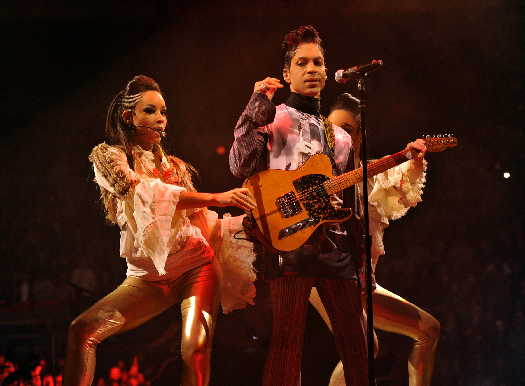 """Prince performs during his """"Welcome 2 America"""" tour at Madison Square Garden on January 18, 2011 in New York City."""