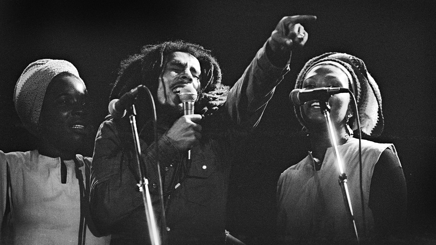 Bob Marley, I Threes, Vorst Nationaal, Brussels, Belgium, 22/06/1980. (Photo by Gie Knaeps/Getty Images)