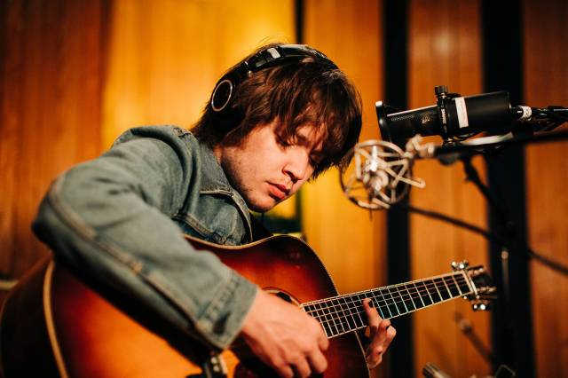 Billy Strings Previews New Album With Brooding Song 'Fire Line'.jpg