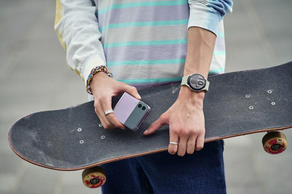 Galaxy z flip 3 phone