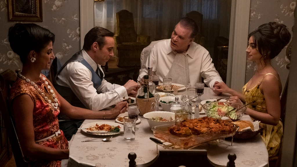 """(L-r) GABRIELLA PIAZZA as Joanne Moltisanti, ALESSANDRO NIVOLA as Dickie Moltisanti, RAY LIOTTA as """"Hollywood Dick"""" Moltisanti and MICHELA DE ROSSI as Giuseppina Moltisanti in New Line Cinema and Home Box Office's mob drama """"THE MANY SAINTS OF NEWARK,"""" a Warner Bros. Pictures release. Photo by Barry Wetcher"""