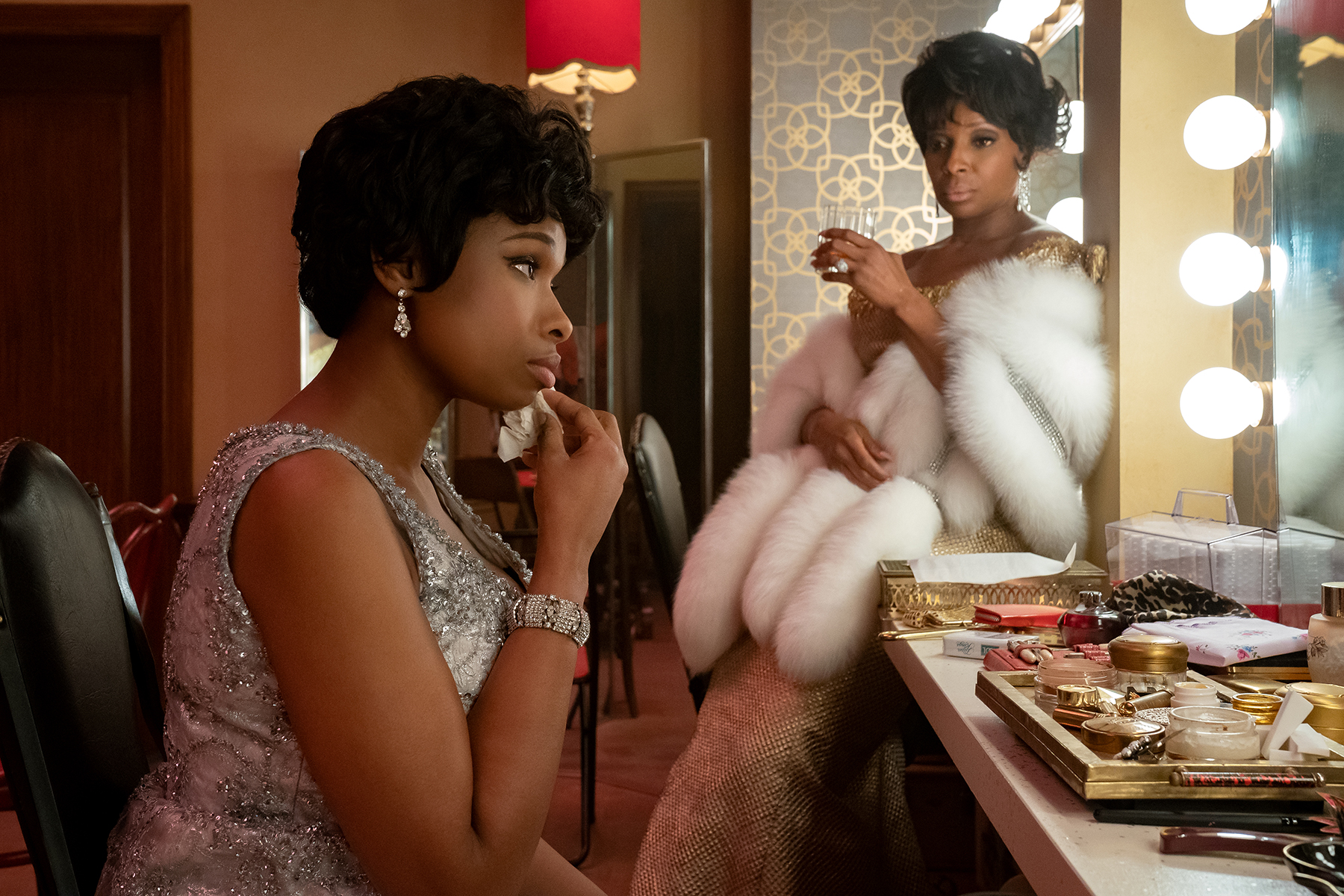 R_09165_RCJennifer Hudson stars as Aretha Franklin and Mary J. Blige as Dinah Washington inRESPECT A Metro Goldwyn Mayer Pictures filmPhoto credit: Quantrell D. Colbert