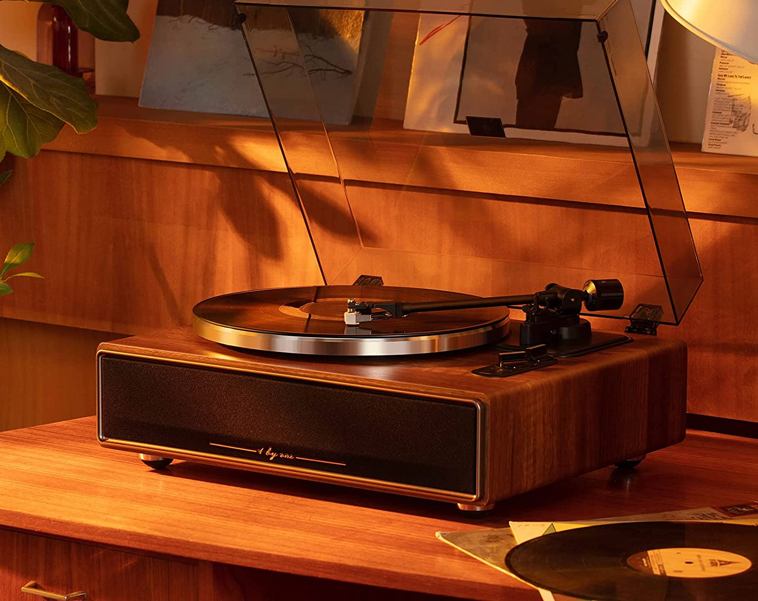 1 BY ONE High Fidelity Belt Drive Turntable