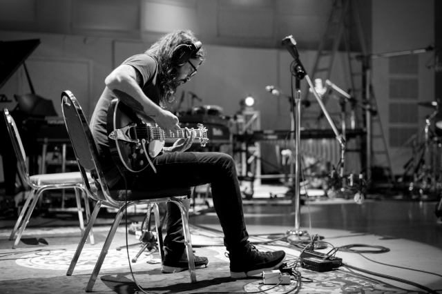 Dave Grohl to Take Rock & Roll Musings from 'The Storyteller' on Tour.jpg