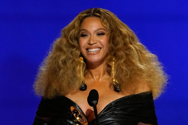 Hear Beyoncé's New Song 'Be Alive' in Venus and Serena Williams' Biopic Trailer.jpg