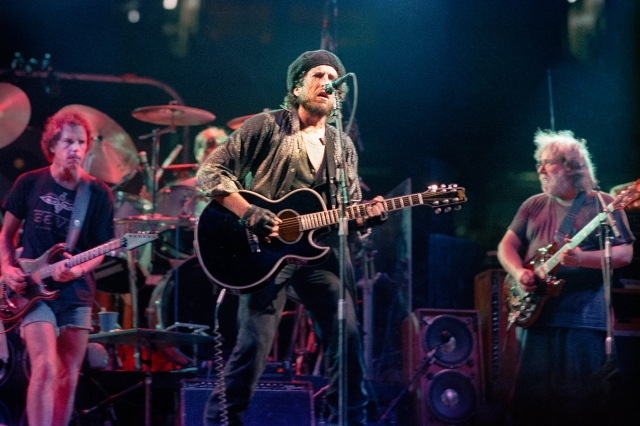 A 1987 Bob Dylan, Grateful Dead Concert Has Surfaced for Fans to Fight Over.jpg