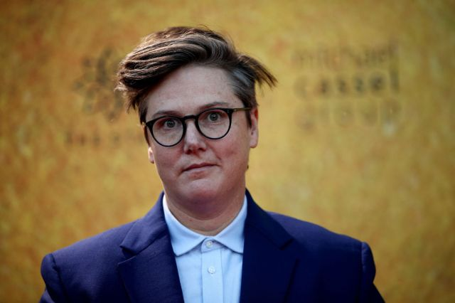 Hannah Gadsby Slams Netflix CEO Over Response to Dave Chappelle's 'The Closer'.jpg