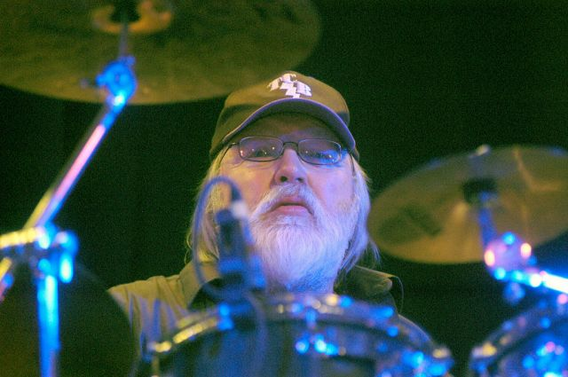 Ronnie Tutt, Drummer for Elvis Presley and the Jerry Garcia Band, Dead at 83.jpg