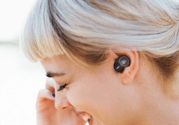 JBL-Wireless-Earbuds-Sale-Deal