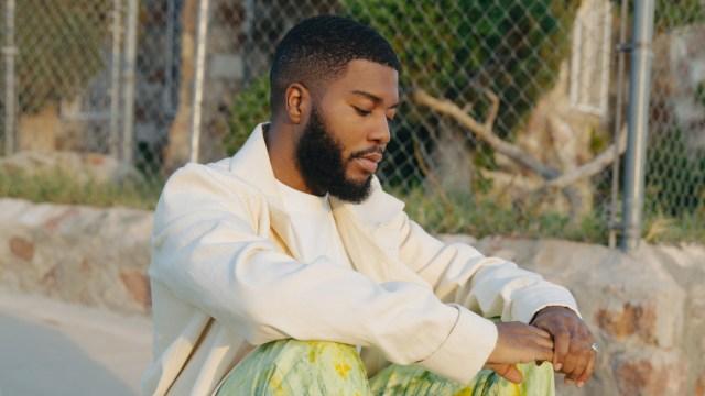 Khalid Channels Classic R&B Vibes on New Song 'Present'.jpg