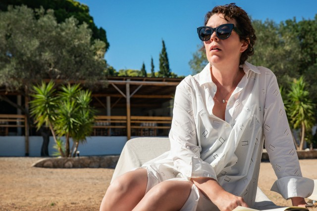 Olivia Colman Is Obsessed With a Mother and Child in Maggie Gyllenhaal's 'The Lost Daughter'.jpg