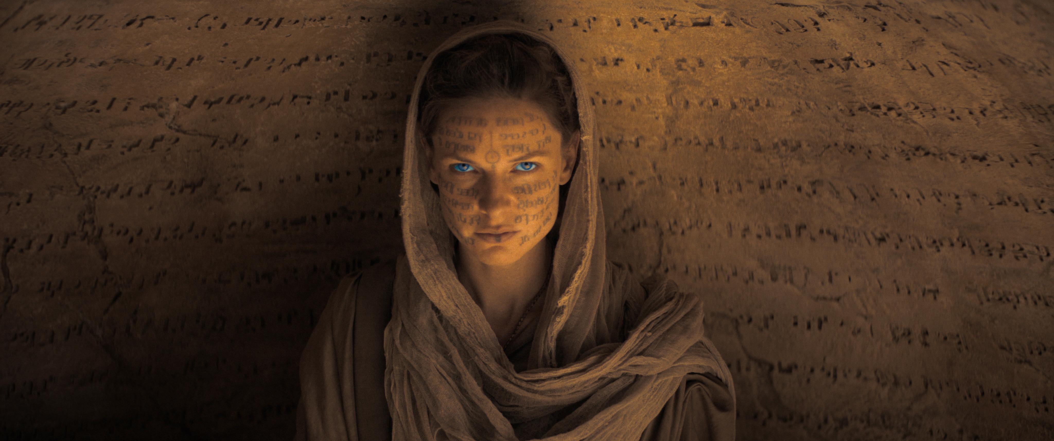 Rebecca Ferguson as Lady Jessica, member of the Bene Gesserit.